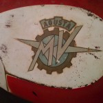restauro-serbatoio-mv-agusta-125-tra-9